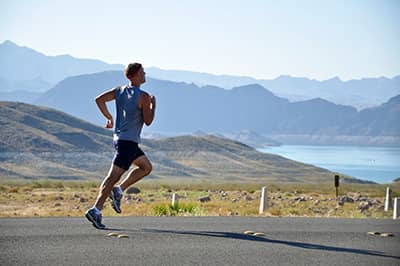 Man aan het hardlopen
